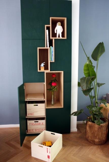 groene kast op maat met uitneembare houten speelgoedbakken