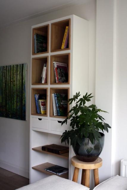 boekenkast voor kunstboeken in woonkamer
